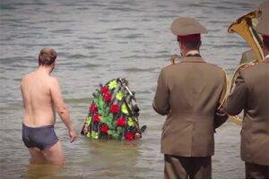 Ролик МЧС Белоруссии о нетрезвом купании стал хитом YouTube